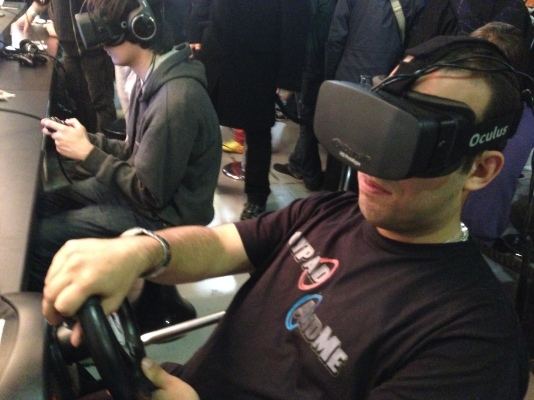 Jedi Junkie getting his hands on Oculus Rift at last