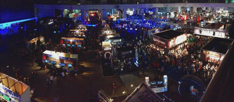 A great panoramic shot of the show floor