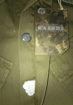 Metal Gear Solid Collection Field Shirt Note the Tissue paper protecting the poppers