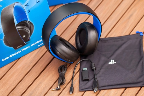 PlayStation Gold Wireless Stereo Headset-11
